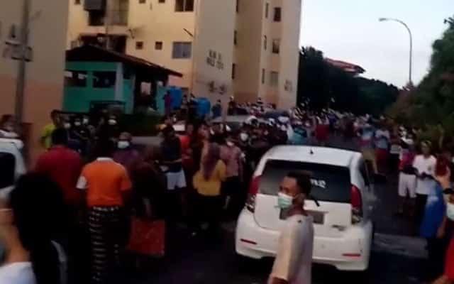 [VIDEO] Gempar !!! Rakyat Sabah berdemo kerana tidak tahan lagi dengan PKPB