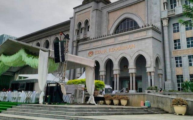 Majlis kahwin anak Ku Nan dibuat secara pandu lalu, 10 ribu hadir
