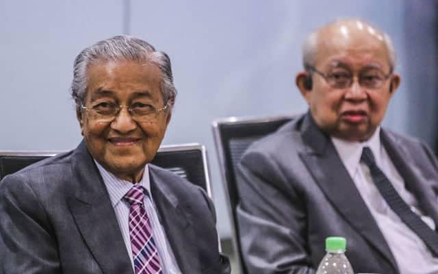GEMPAR | Rahsia di sebalik sidang media Mahathir-Ku Li akhirnya terbongkar