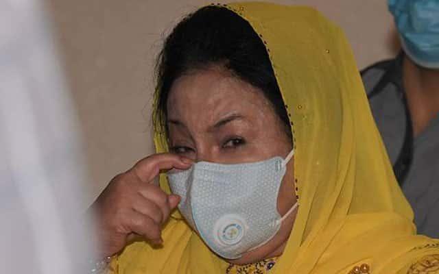 Panas !!! Pihak pendakwaan tutup kes rasuah Rosmah