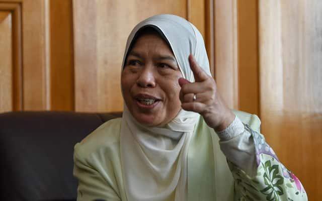 Saman RM10 juta : Pengunaan terma pembelot keatasnya adalah berniat jahat – Zuraida