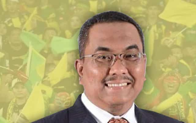 Panas !!! Anak Samy Vellu gelar Sanusi sebagai 'Donald Trump' versi Malaysia