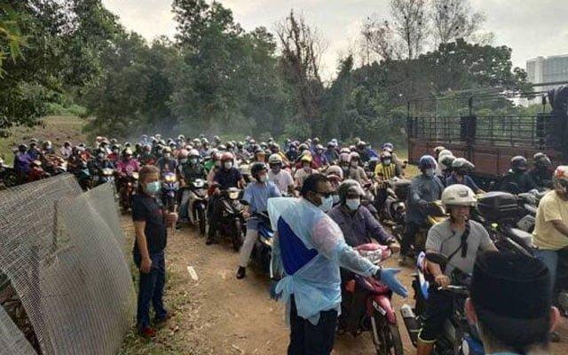 Pemuda Umno dakwa dapat kebenaran MKN, orang ramai bimbang 'kluster ayam'