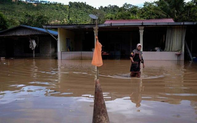 Terkini !!! Banjir di Kelantan dan Terengganu semakin buruk