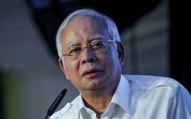 Hotel ada, pusat PLKN ada, mengapa tak dijadikan pusat kuarantin?, soal Najib