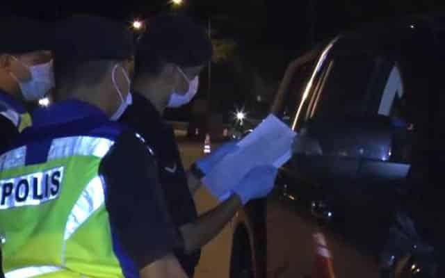 """Angkat baju kalau tak saya saman"", polis tersebut dipindah tugas serta merta"