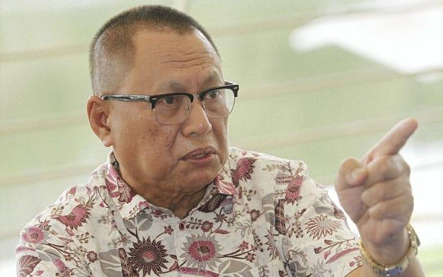 Panas!!! MT UMNO persoal Muhyiddin kenapa tak saman isu menantu terima projek RM1.6 Billion?