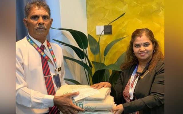 Guru Besar ambil inisiatif jual beg recycle, kumpul RM24,000 beli laptop pelajar